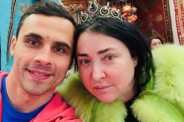 Дмитрий Иванов младше Лолиты на 11 лет