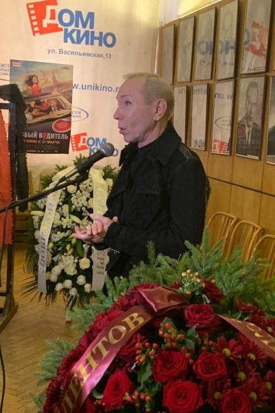 Александр Песков принял смерть Ирины Цывиной близко к сердцу