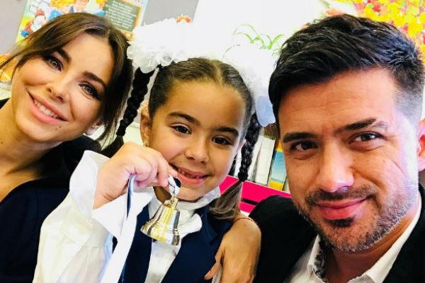 Ани и Мурат воспитывают семилетнюю дочь Софию