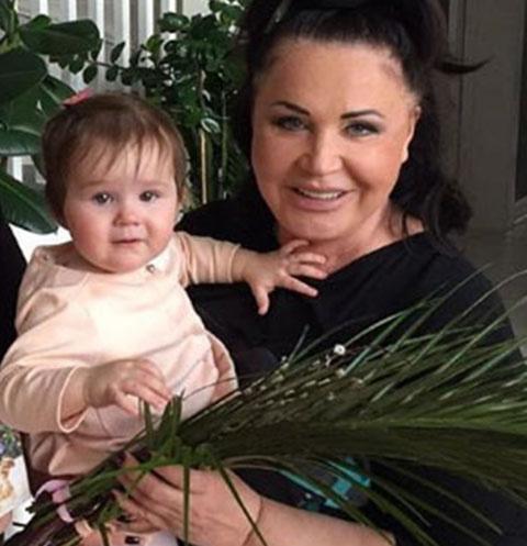 Надежда Бабкина с младшей внучкой Марфой