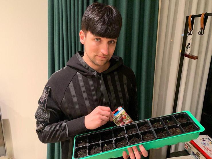 Дмитрий Колдун пробует себя в растениеводстве