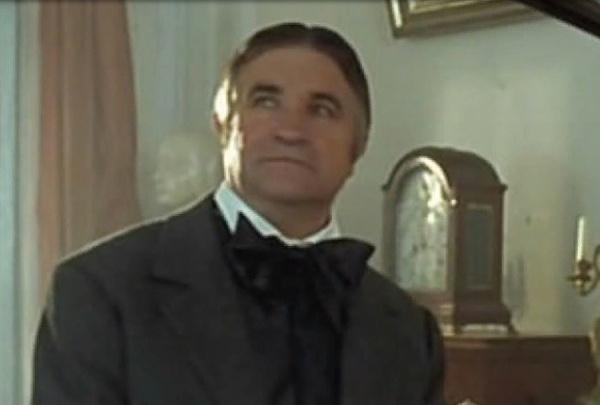 На счету у Мартынова более 120 ролей в различных картинах