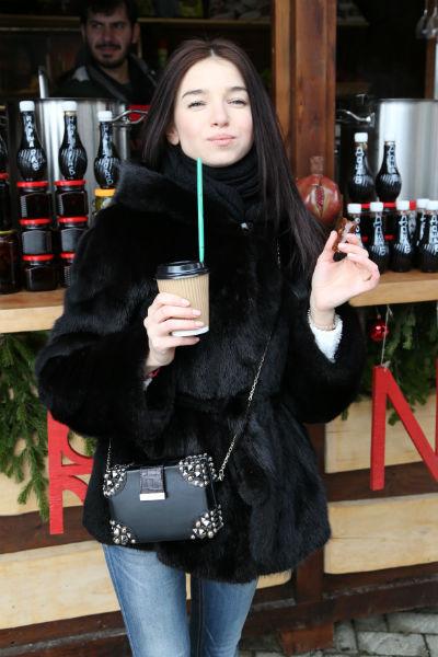Татьяна Ширко согревалась горячими напитками