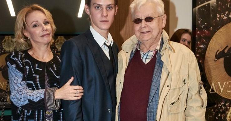 Кто помогает Марине Зудиной пережить смерть Олега Табакова