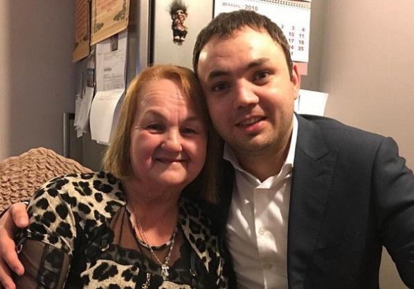 Мама Гобозова очень переживает за него