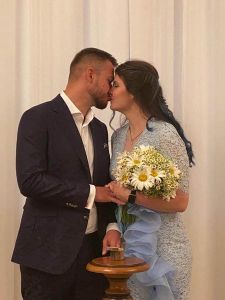 Влюбленные связали себя узами брака