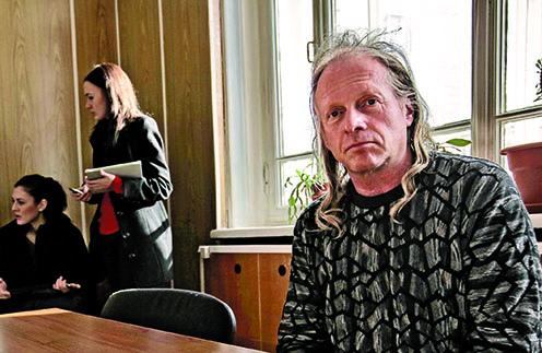 Певец и композитор был арестован на пять суток за езду в состоянии алкогольного опьянения в марте 2012 года