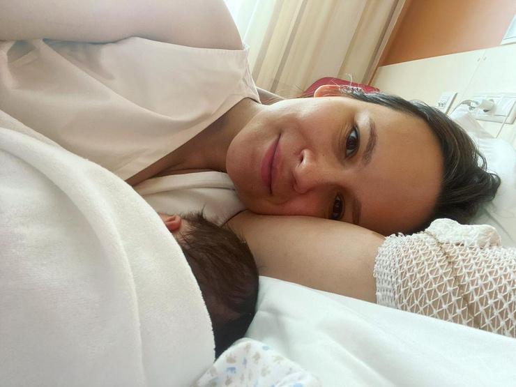 Анна сообщила, что у них родилась дочь Тамара