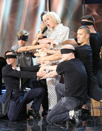Во время концерта Лайма поразила зрителей номером с участием молодых парней