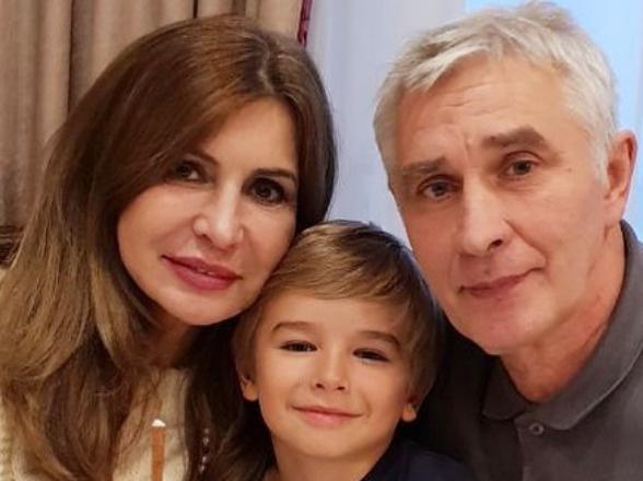 Ирина Агибалова с супругом и внуком