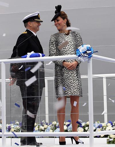 13 июня. Последний выход в свет Кейт перед родами. Герцогиня Кембриджская стала крестной матерью круизного лайнера