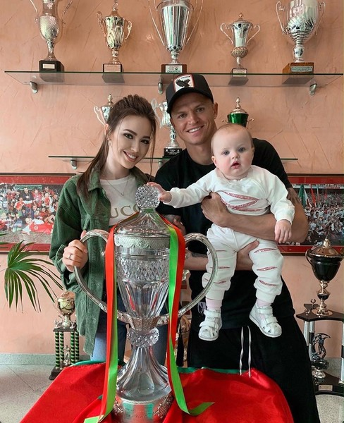Дмитрий и Анастасия с дочерью
