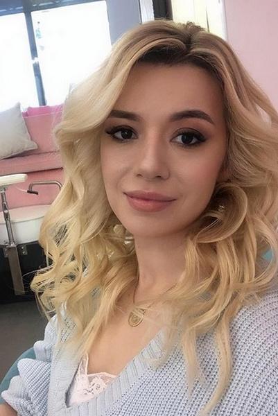Соня Кузьмина выросла красавицей