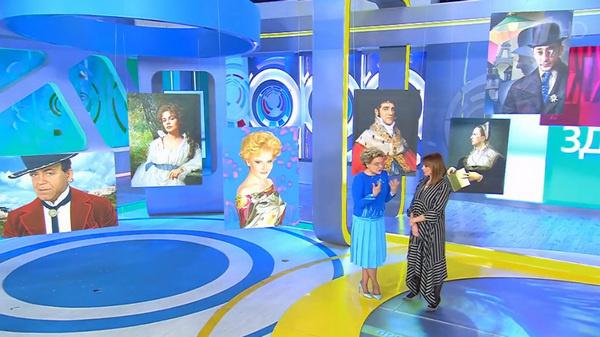 В студии передачи показали несколько портретов, созданных Рождественской