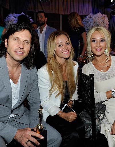 Александр Ревва с женой Анжеликой и Лерой Кудрявцевой
