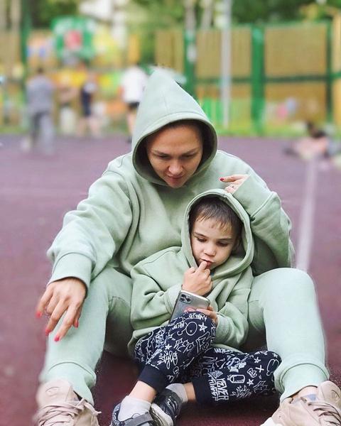 Ангарская не запрещает отцу общаться с ребенком