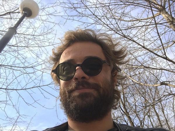 Илья Глинников отрастил густую бороду