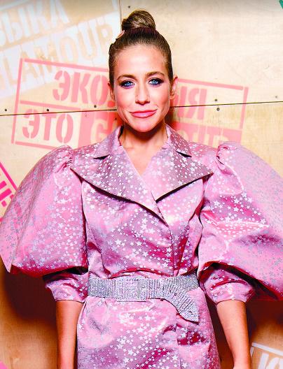 Телеведущая на 15-летии журнала Glamour, 16 сентября, Москва