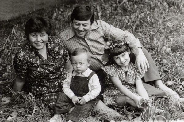 Геннадий Заволокин с семьей