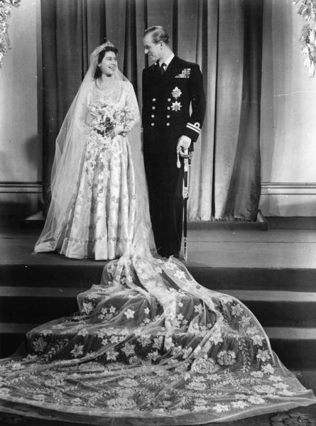 Свадьба Елизаветы и Филиппа до сих пор считается одной из самых роскошных церемоний XX века