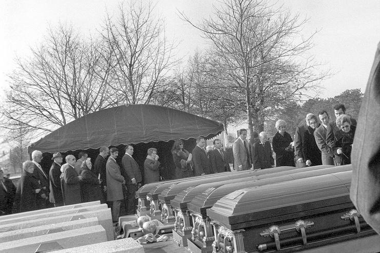 Похороны семьи Дефео
