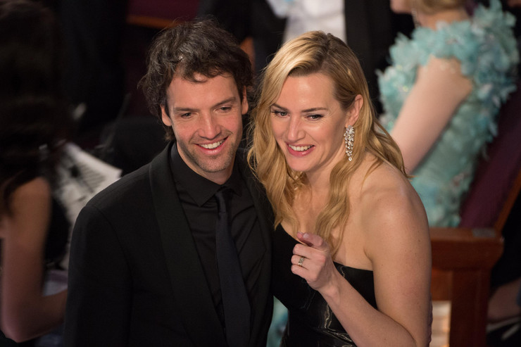 В 2012-ом актриса вышла замуж за миллионера Неда Рокнролла
