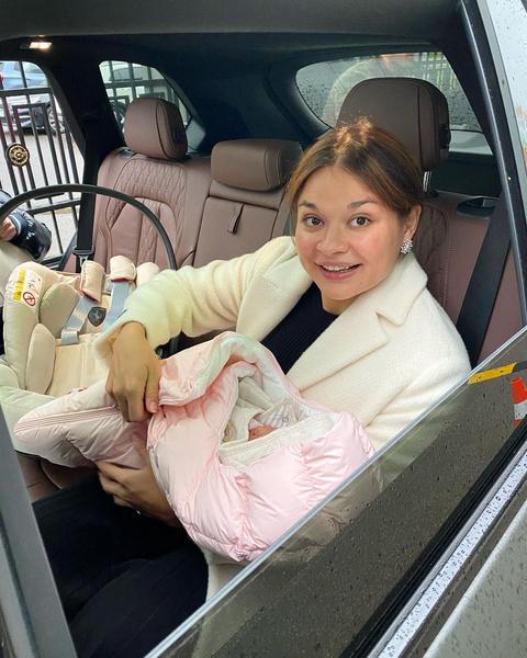 Ксения Шойгу вышла на работу спустя шесть дней после родов