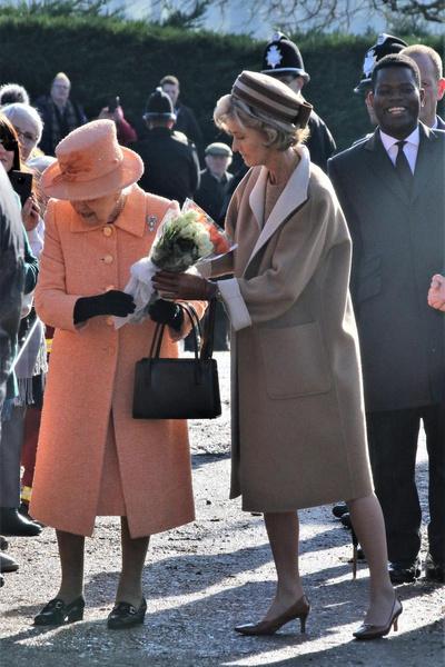 Единственная не из королевской семьи. Кто она, фаворитка Филиппа, которой разрешили быть на похоронах