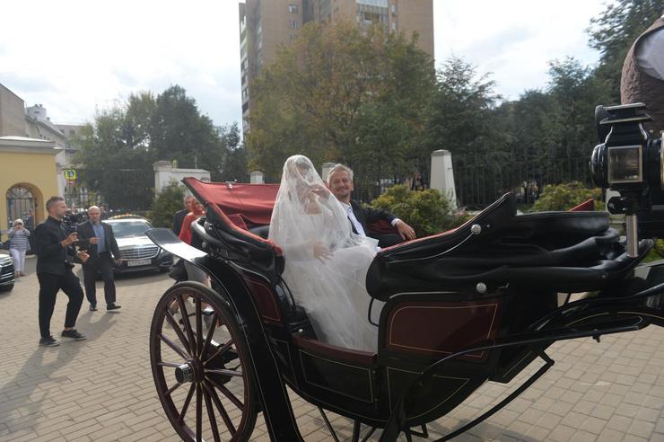 Невеста выбрала классическое платье