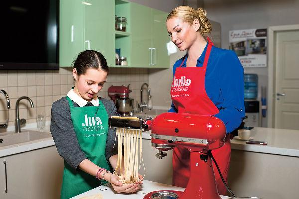 Девочкам было интересно самим приготовить пасту