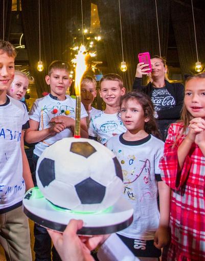 Инна и Юрий Жирковы отметили день рождения сына