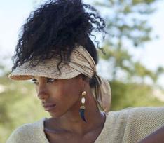 Модель Мод Барок снялась для рекламной кампании кофе L'OR