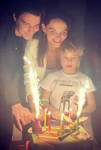 Максим Матвеев и Елизавета Боярская со старшим сыном