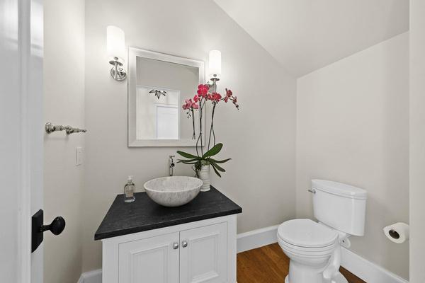 Гостевая ванная комната в доме актера