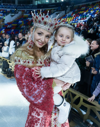 Татьяна Навка с дочерью Надей