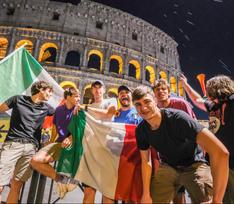 Так отмечают победители! Что творилось сегодня ночью в Италии после победы на Евро
