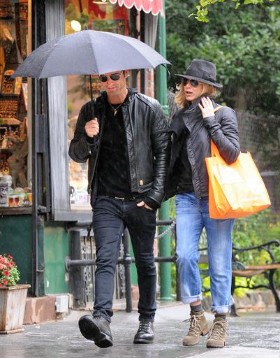 Прогулка под дождем в Лос-Анджелесе
