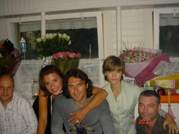 2002 год. 20-летие Яны мы праздновали большой компанией