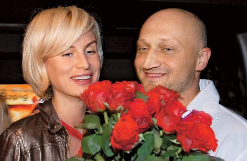 Гоша куценко и Ирина Скриниченко поженились около вдух лет назад, хотя вместе они уже 12 летГоша Куценко и Ирина Скриниченко поженились около двух лет назад, хотя вместе они уже 12 лет