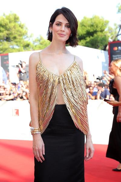 Для мероприятия Юлия выбрала платье от Юлии Калманович