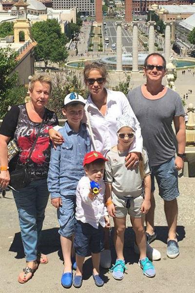 Юлия Барановская, Петро Шекшеев и дети в Барселоне