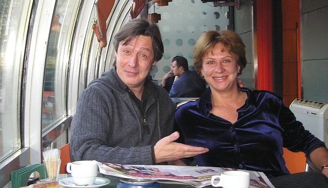 Сестра Михаила Ефремова: об отношении к Пашаеву, передачках брату и дальнейших действиях семьи