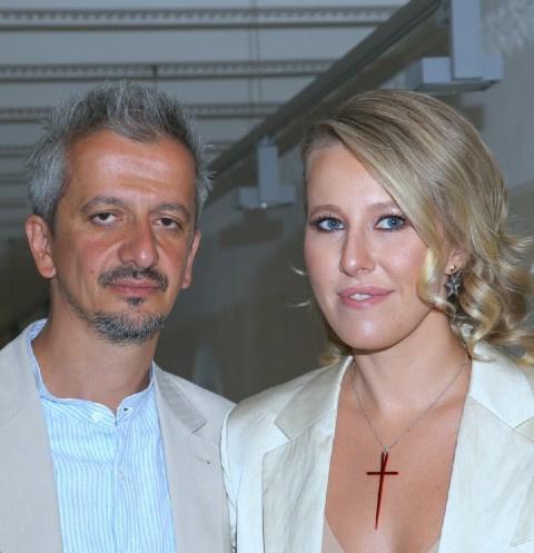 Ксения Собчак зарабатывает в 10 раз больше мужа: данные о доходах пары