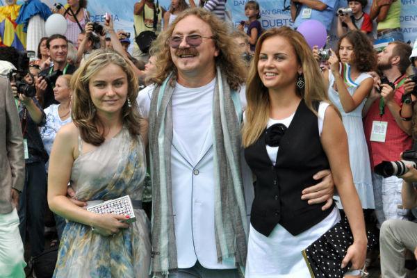 В непростой для дочери период Игорь Николаев и его супруга поддержали Юлию