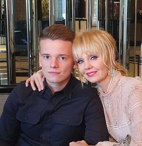 Арсений Шульгин со звездной мамой