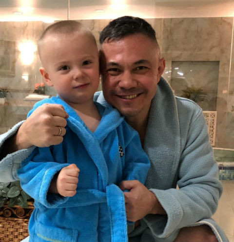 Костя Цзю с внуком