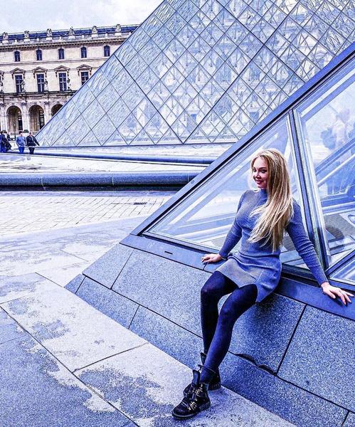 Дарья впечатлилась величием Лувра