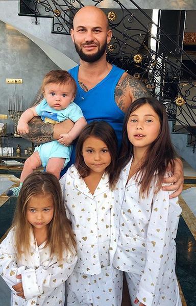 У пары четверо детей