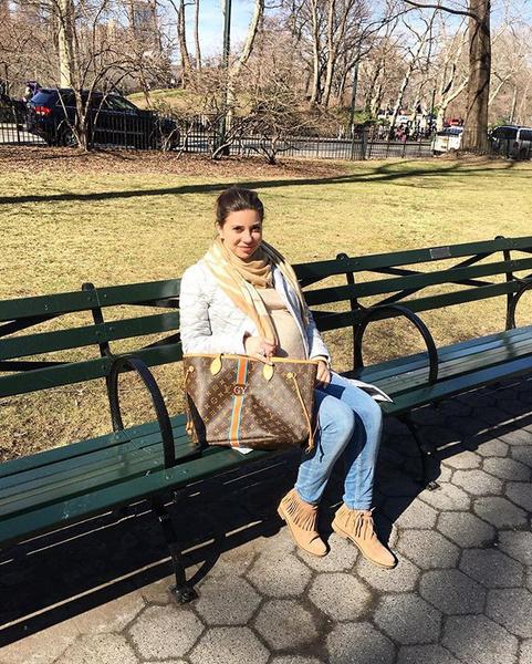 Галина Юдашкина на прогулке в нью-йоркском парке