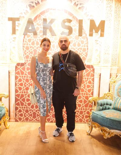 Звезды на открытии первого турецкого ресторана Taksim
